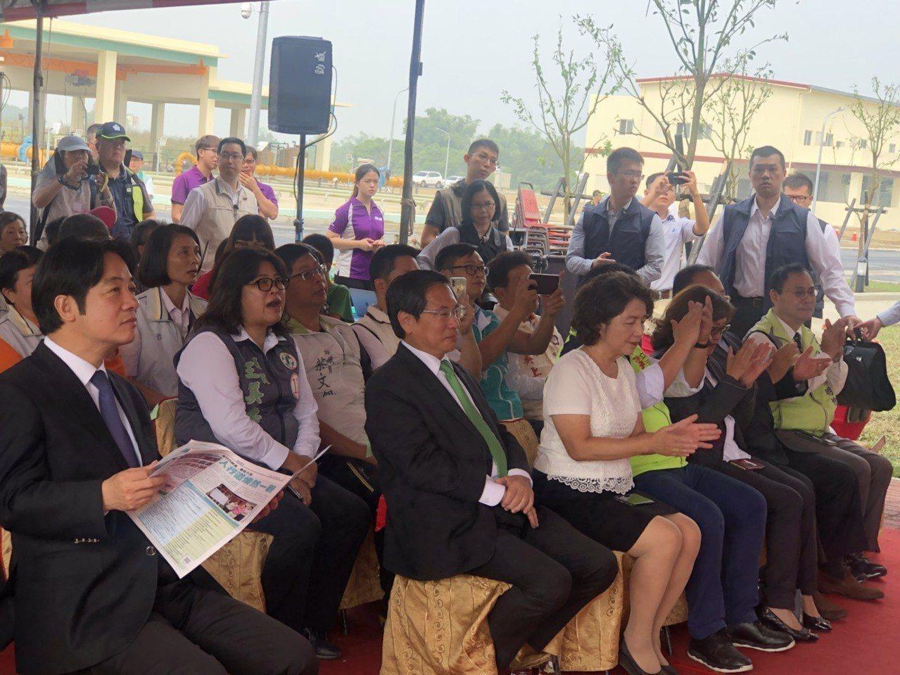 嘉義市水資中心成立典禮上,多名市議員及里長都出席。記者王慧瑛/攝影