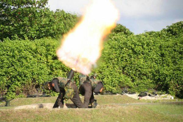 南沙太平島部署120迫擊砲實彈射擊畫面。聯合報系資料照片;海巡署提供