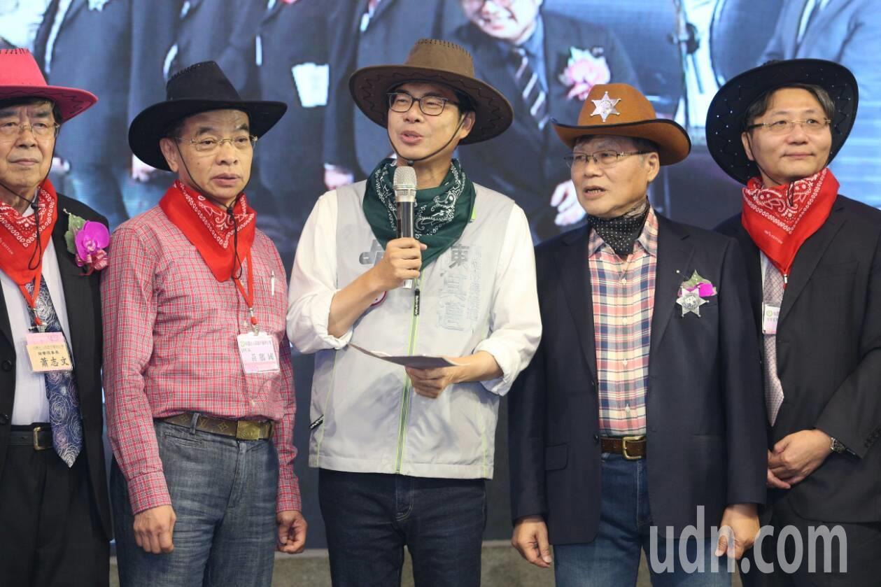 陳其邁出席高市醫師公會慶祝大會。記者劉學聖/攝影
