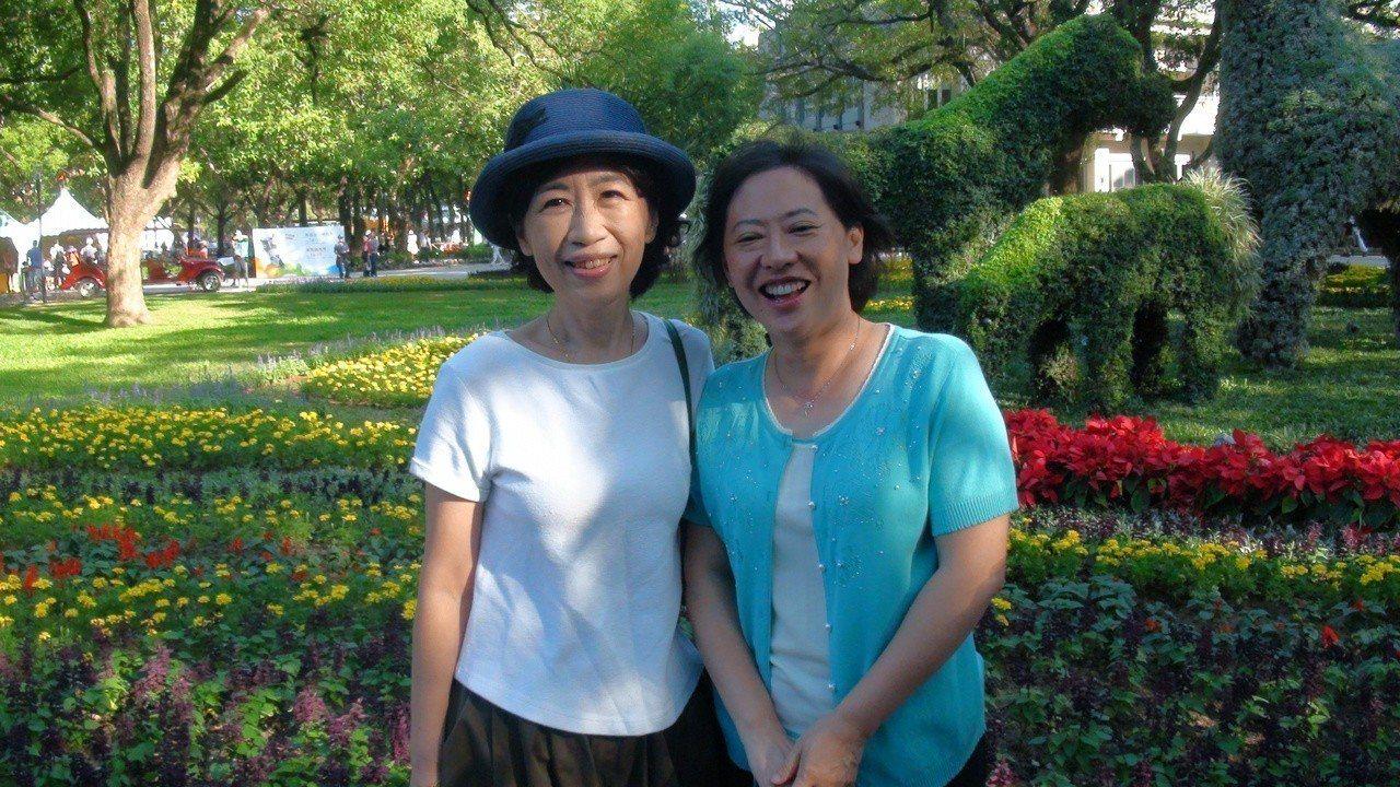 台北市長柯文哲夫人陳佩琪今天下午前往台中花博參觀,陪同的是台中市長林佳龍的夫人廖...