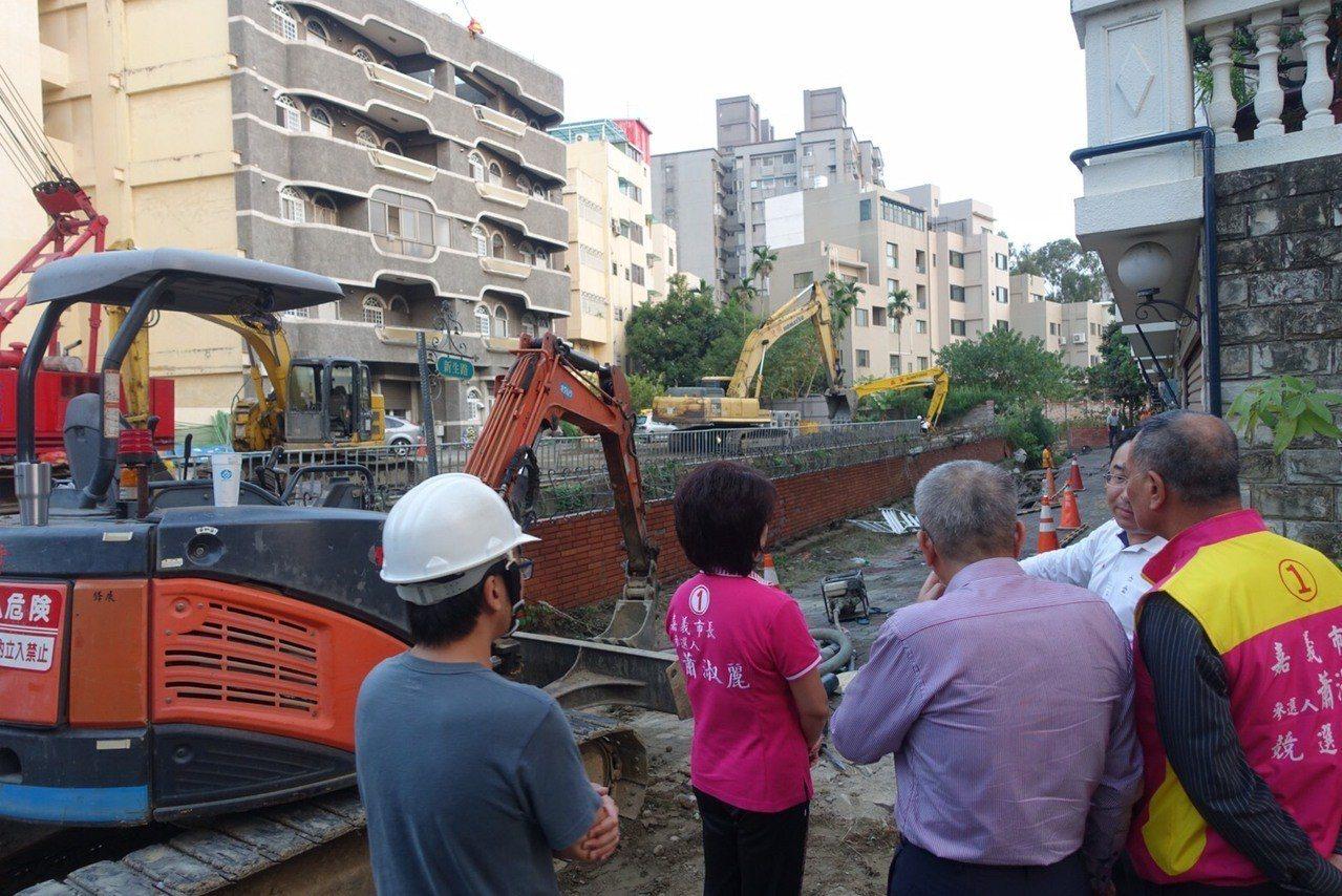 蕭淑麗表示,深入了解後發現,嘉義市政府對於北排工程,未使用較為先進的「靜壓施工法...