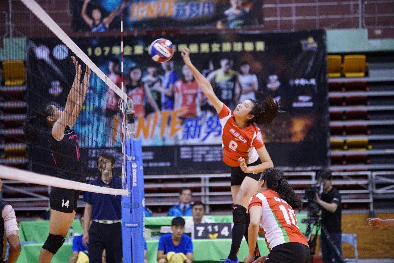 極速超跑隊陳詩婷主攻。圖/中華排球協會提供