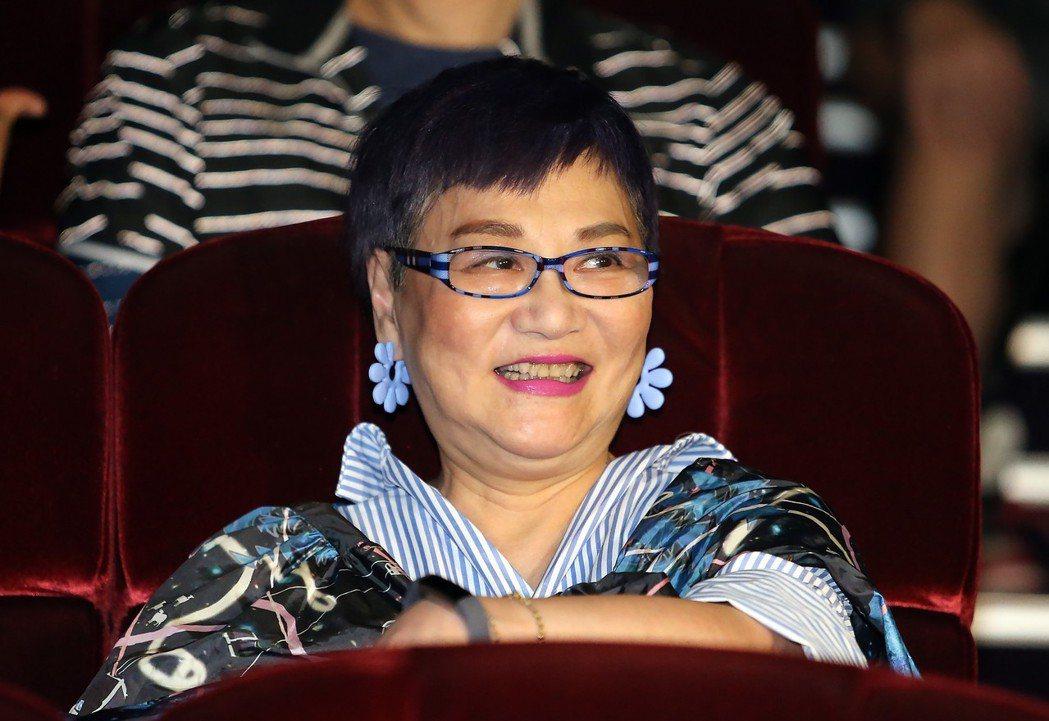 小燕姐在台下觀賞演出。記者許正宏/攝影