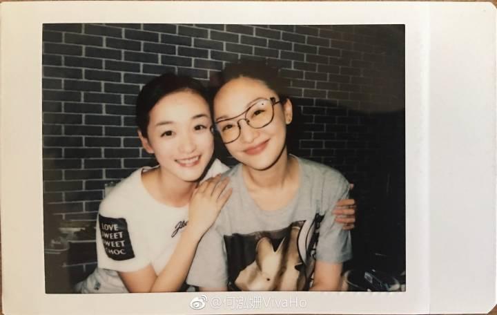 何泓姍(左)與周迅合作「如懿傳」成為好友