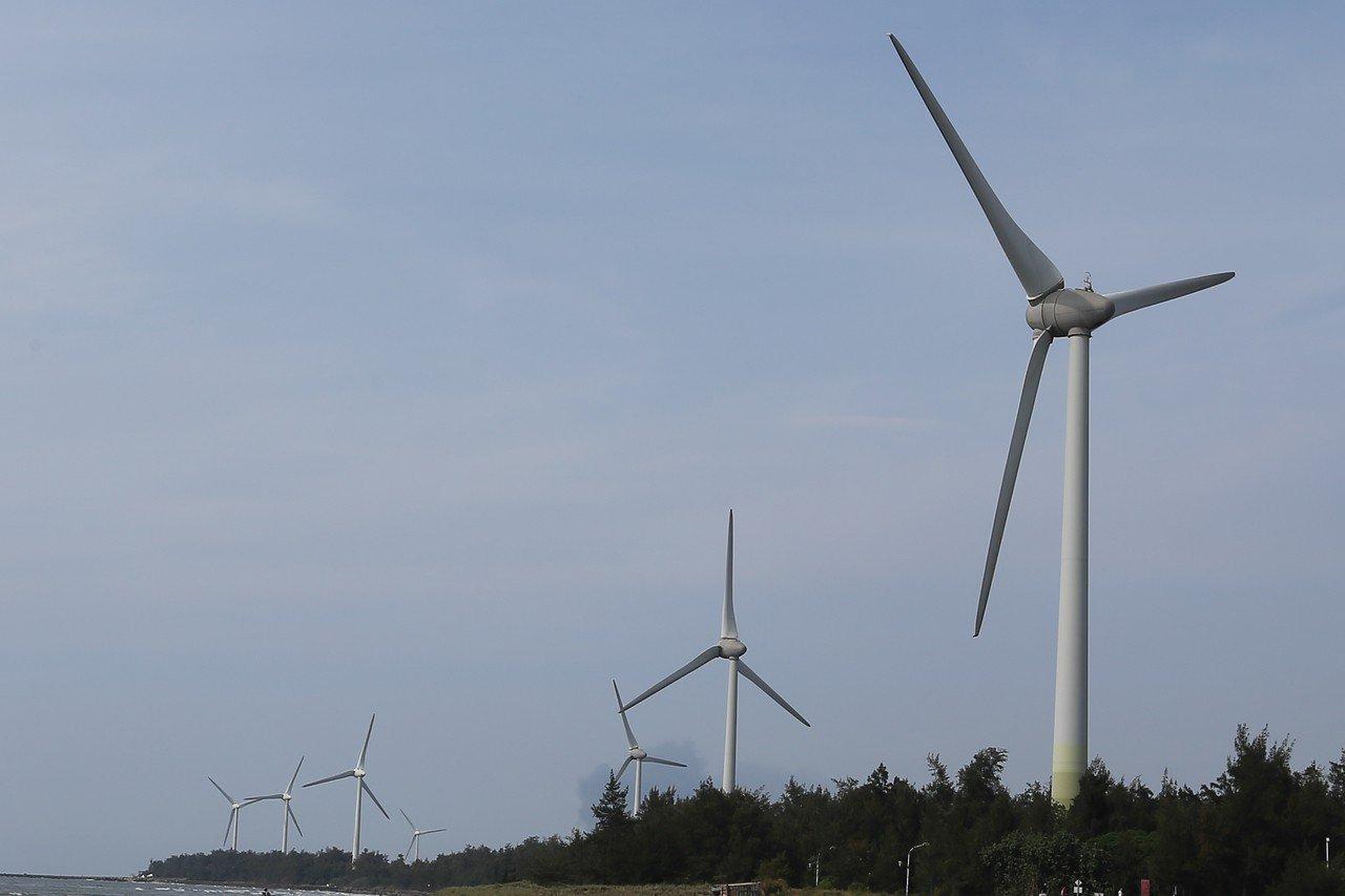九合一選舉迫近,但除了反空汙之外,綠能發展策略的相關政見,迄今尚未成為候選人的政...