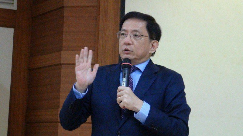 台灣大學校長當選人管中閔昨天到雲林縣議會演講,有聽眾問他是否會參選總統,他表示,自己沒有那個才調,他也提出自己的觀察,認為政府做的事情越多,台灣下慘只會越慘。記者陳雅玲/攝影