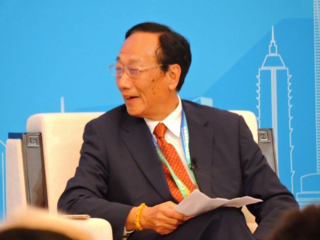 美中貿易爭端持續延燒,鴻海董事長郭台銘5日表示,未來幾年在中國市場還將擴大出口,...