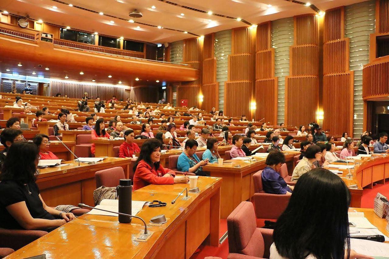 海外華文女作家協會創會將滿30年,諸多華文女作家代表出席盛會。