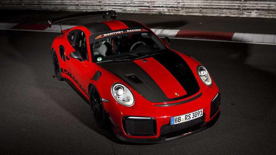Porsche 911 GT2 RS MR透過底盤與空力優化,再次跑出最速紀錄。 摘自Porsche