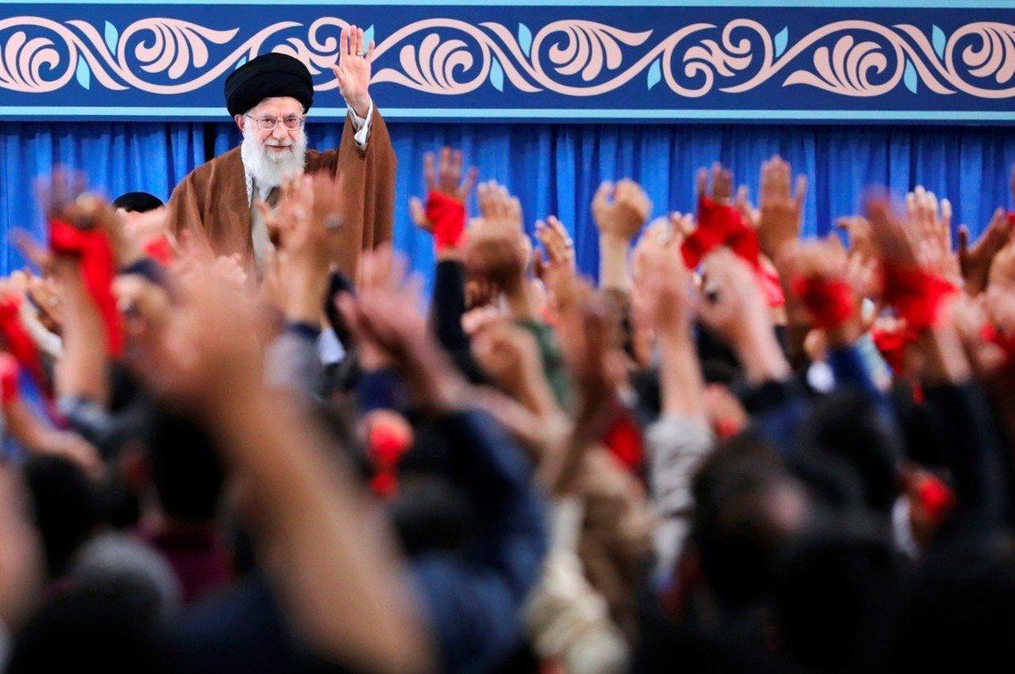 喊話中的伊朗最高領袖哈梅尼。 圖/美聯社