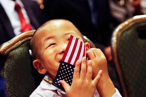 到美國生「美國寶寶」將成為過去式?2018年10月29日,川普語出驚人地表示正計...