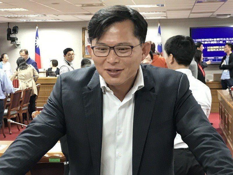 黃國昌表示,如果要甚麼資料都不能提供,那這個調閱小組根本沒有存在必要。 (pho...