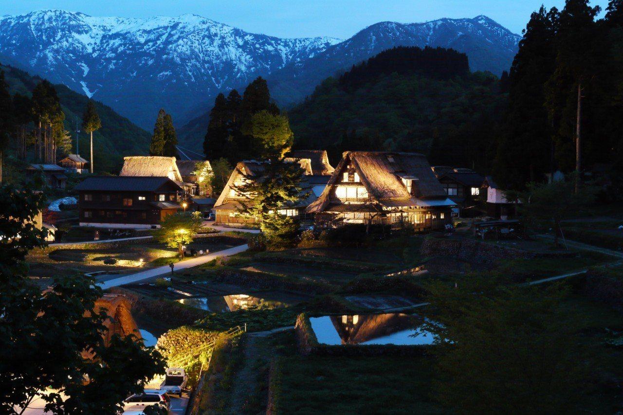 ▲日本冬季點燈活動-五箇山合掌村。(圖/©Toyama Prefectural ...