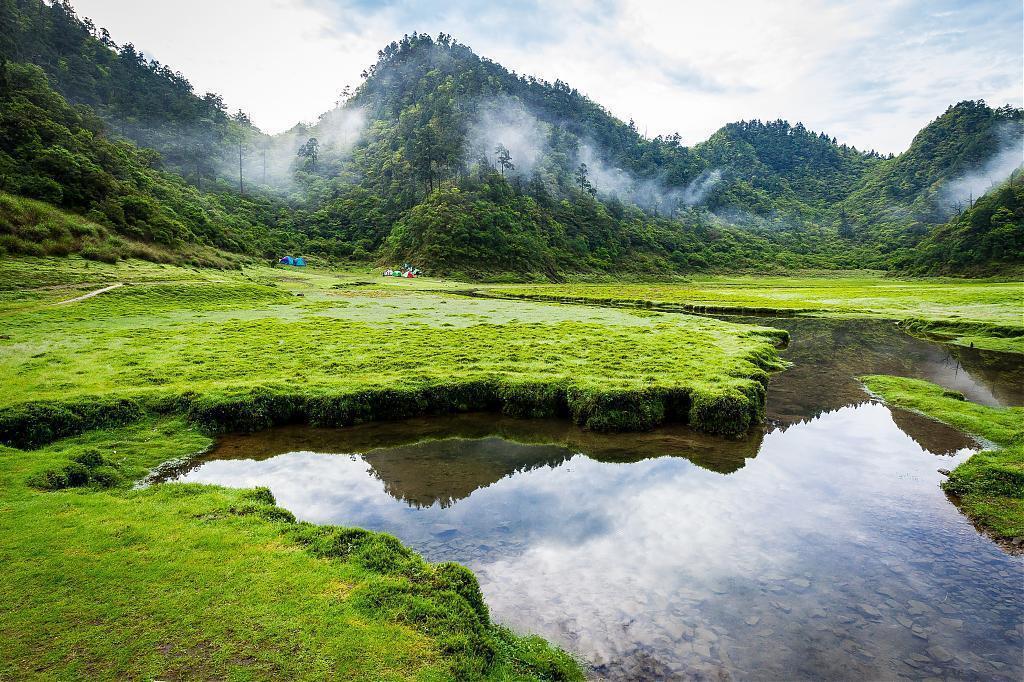 ▲跨年連假露營追曙光秘境-松蘿湖。(圖/Tripbaa趣吧!亞洲自由行專家)