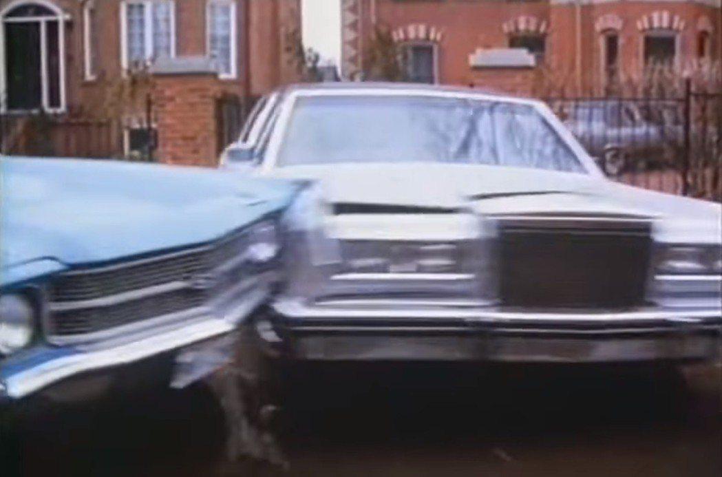 汽車追撞的動作場面在「推動致命的羔羊」也出現。圖/翻攝自YouTube