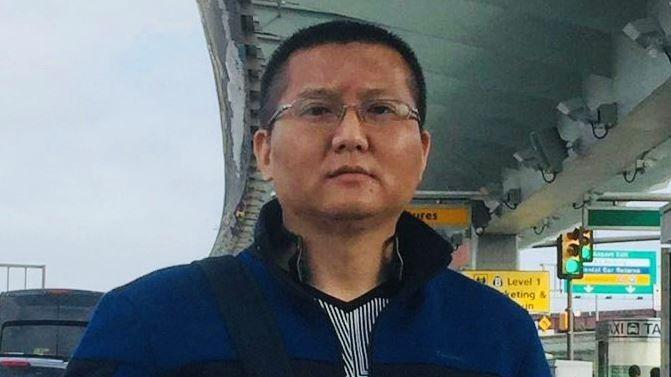44歲的鄒承峰在網路教中國網友翻越防火牆面臨當局威脅,最後逃亡美國尋求庇護。鄒承...