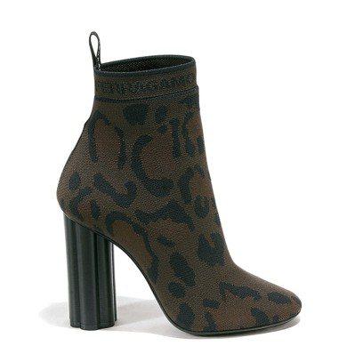 CAPO豹紋高跟靴,32,900元。圖/Ferragamo提供