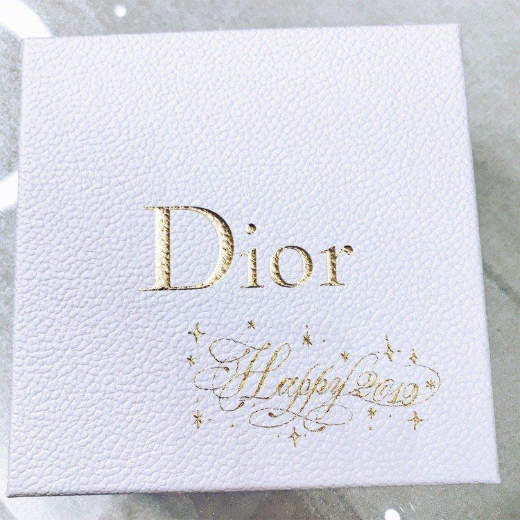 Dior客製化金緻燙印服務,可設計想書寫的話語。圖/記者江佩君攝影