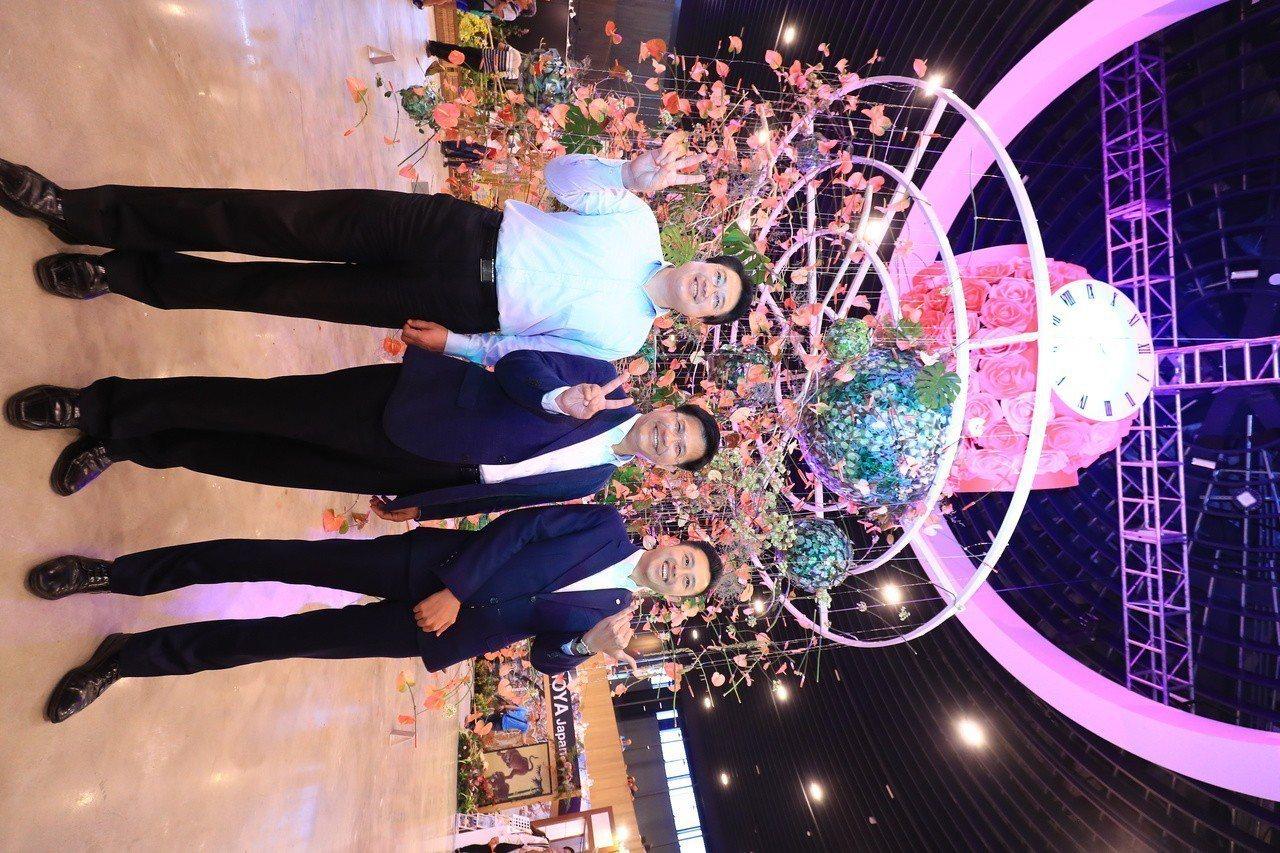 基隆市長林右昌(左)、新竹市長林智堅(右)今日率市府團隊參訪台中花博,由台中市長...