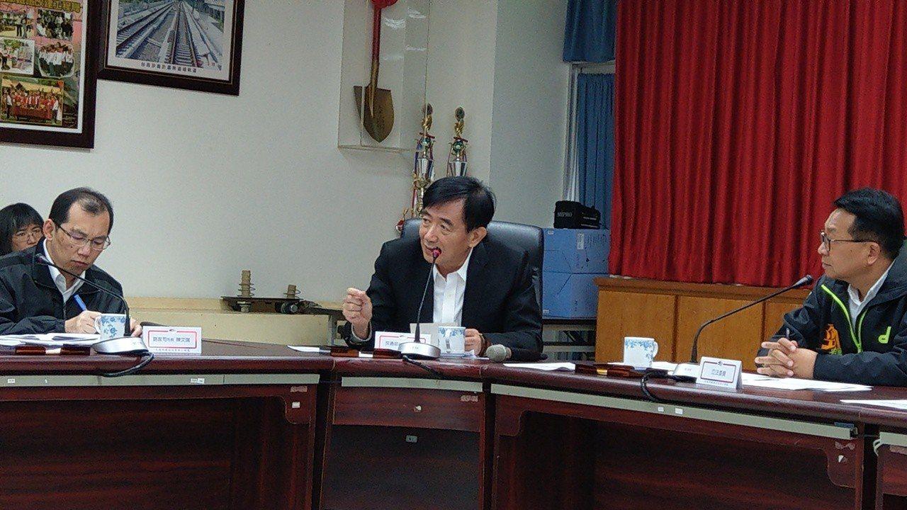 交通部長吳宏謀建議縣府重做鐵路高架化可行性評估,以符合「程序正義」,宜蘭人很不以...
