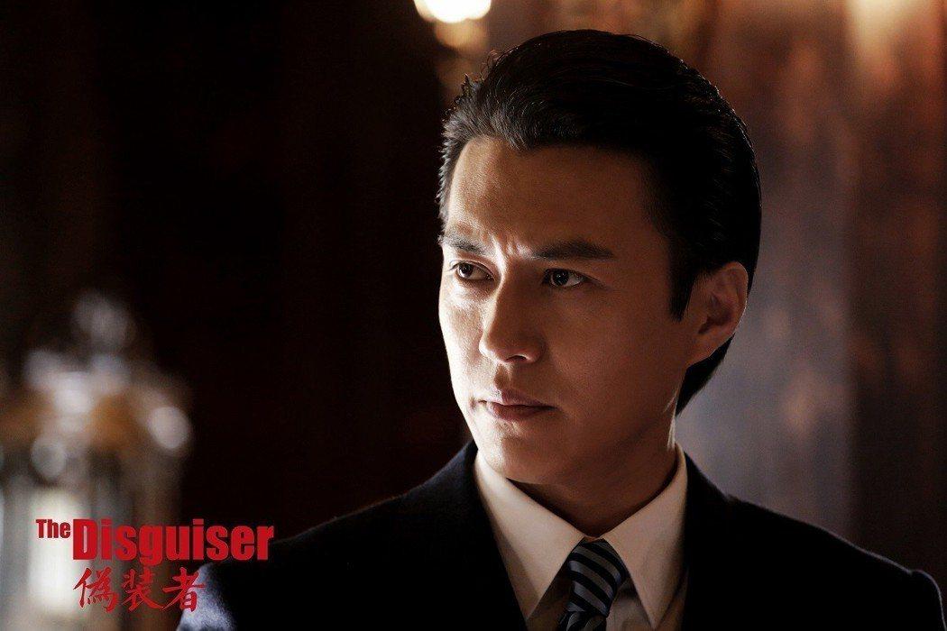 靳東飾演明樓。圖/年代MUCH提供