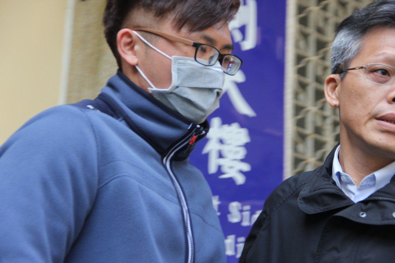 保六總隊3月間有警務員吸毒遭逮(藍衣戴口罩)。圖/報系資料照