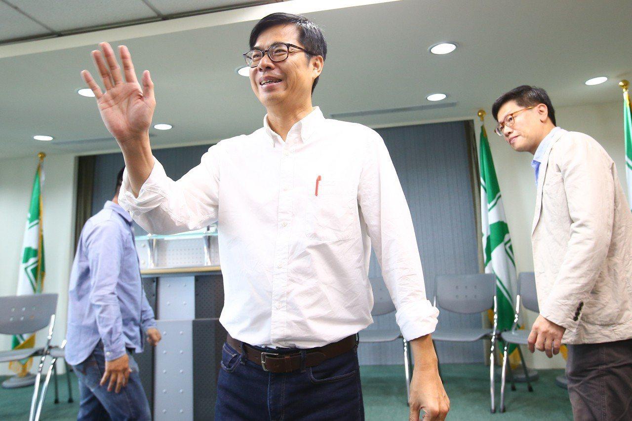 民進黨高雄市長候選人陳其邁今天被問到是否會找人「模擬練習」,他回應,他會再想一想...