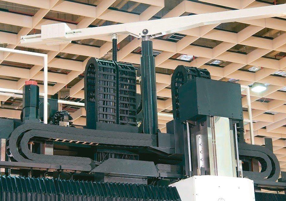 欣軍SINZ積極開發工具機與產業機械專用的電路管線鏈條護管及相關零組件。 欣軍公...