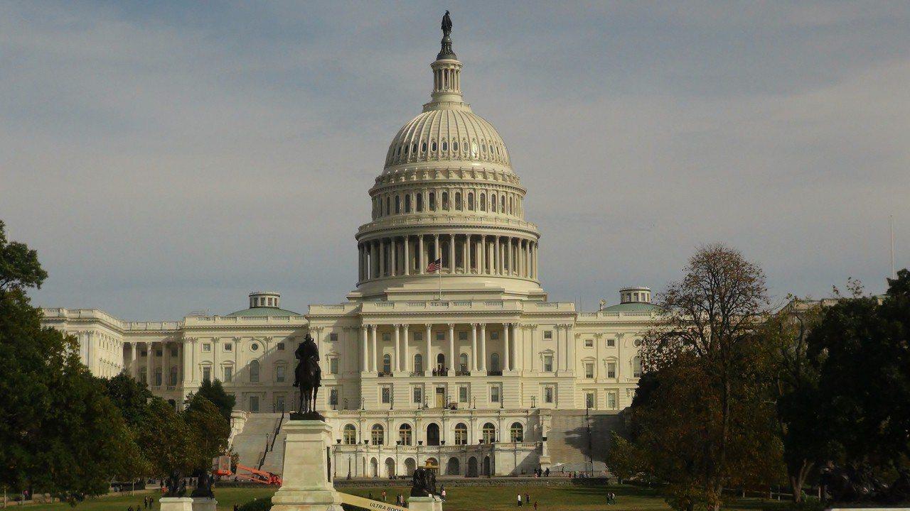 2018年美國期中選舉11月6日登場,美國總統川普所屬的共和黨目前在聯邦參、眾兩...