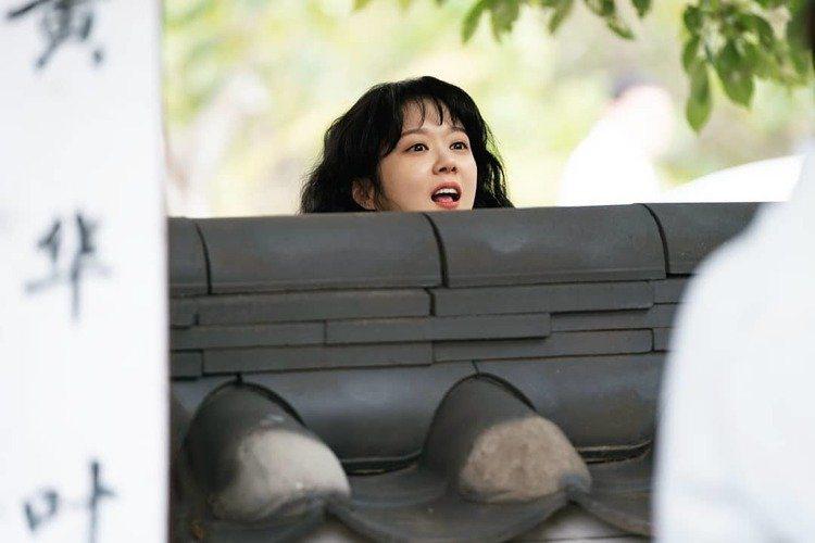 由張娜拉、崔振赫主演的韓劇《皇后的品格》將在這個月開播,不久前公開了新劇照。其中...
