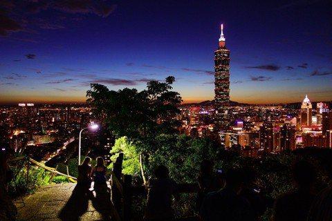 「脫台北」已經是日本人遊台的旅遊趨勢了,圖為台北101。圖/pixabay