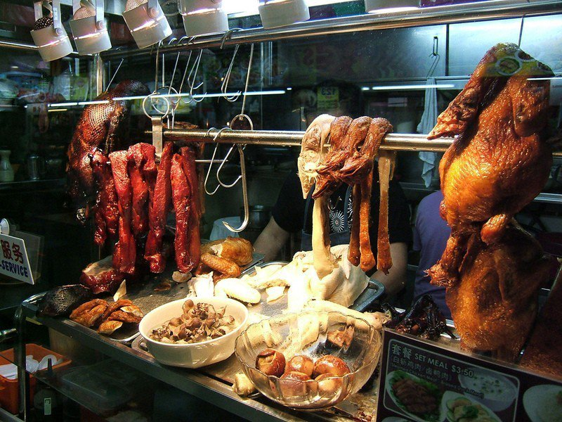 新加坡欲為其小販美食申請世界文化遺產,卻引起馬來西亞美食界的強烈反彈。(phot...