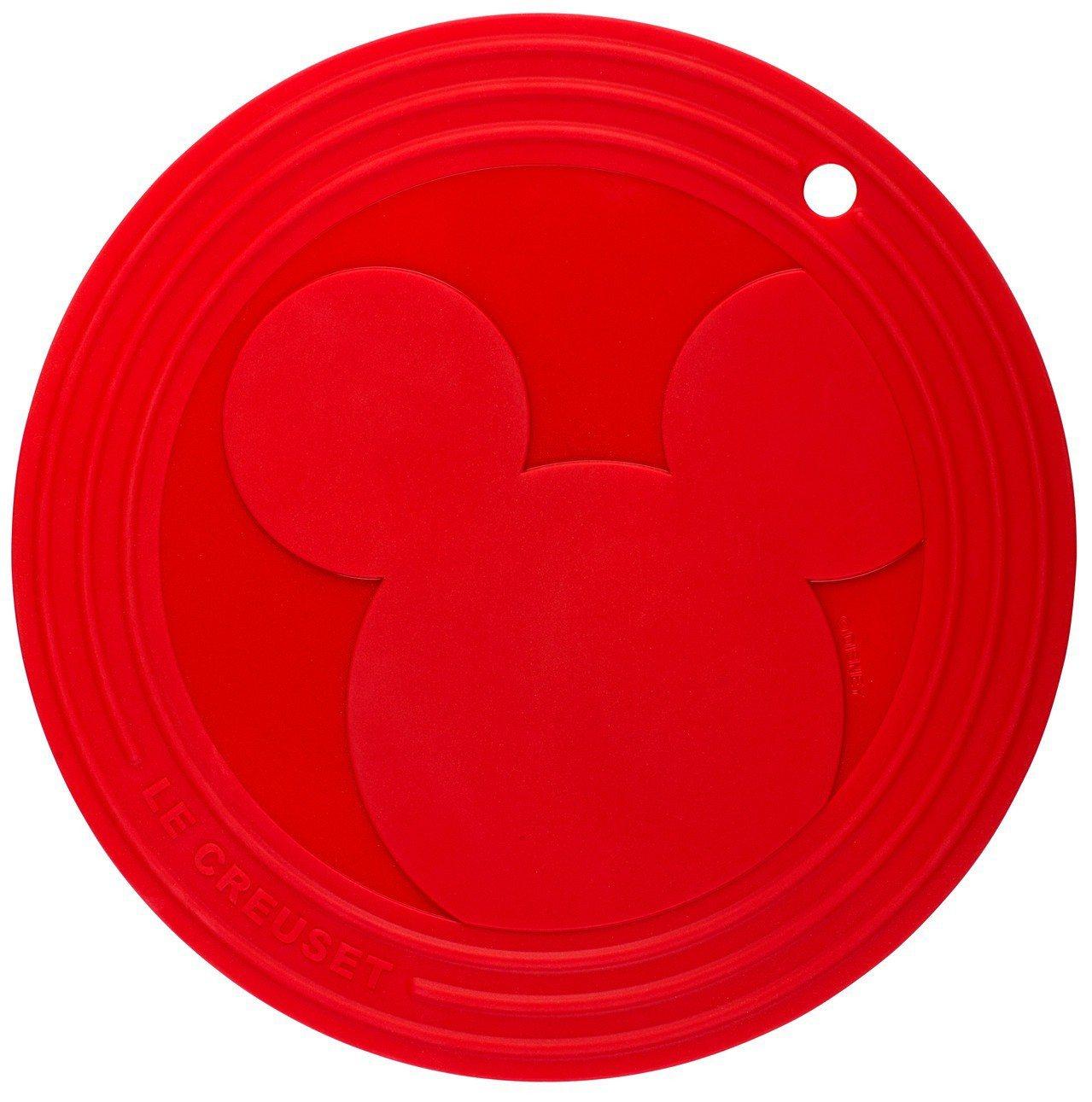 Mickey Mouse櫻桃紅隔熱墊,大大米奇圖樣超可愛。圖/Le Creuse...