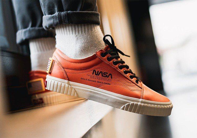 Vans聯手NASA推出Space Voyager系列Old Skool的低筒鞋...