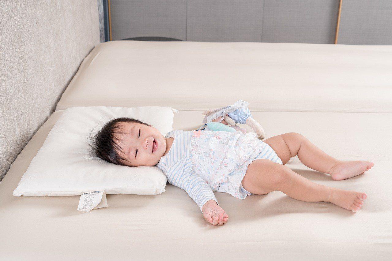 馬毛枕頭訴求「天然且持久的透氣舒適」,繆思伯格MOOSBURGER全產品從嬰兒枕...