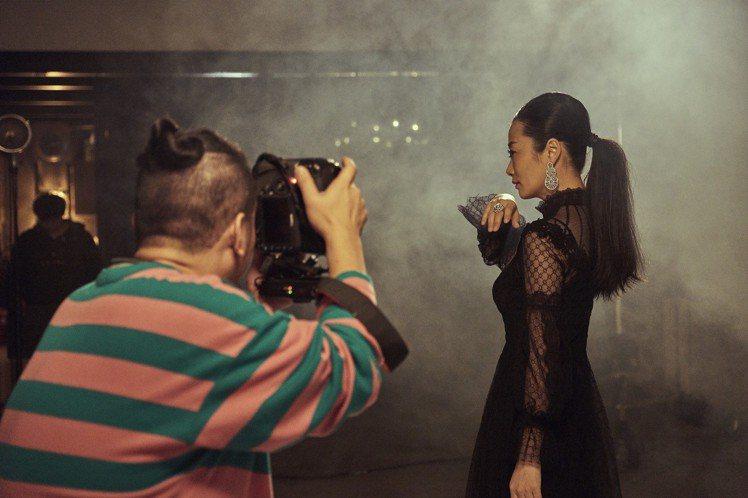 趙濤拍攝「金馬榮耀時刻」幕後花絮。圖/伯爵提供