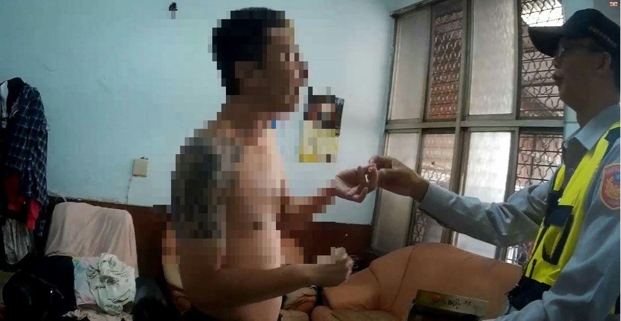 台南市陳姓男子染上毒癮,打電話向警方報案自首。記者黃宣翰/翻攝