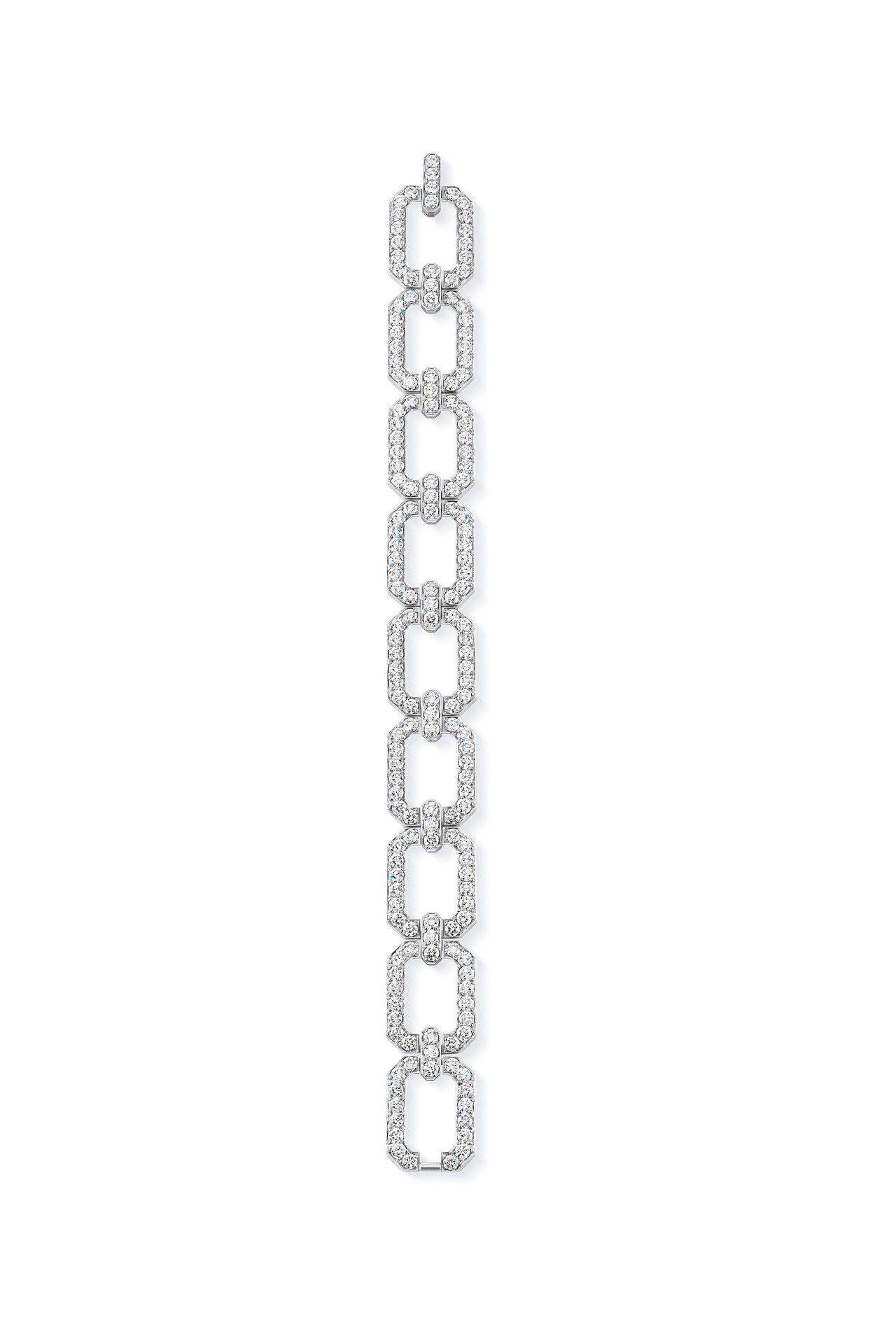 女星娜歐蜜華茲配戴的海瑞溫斯頓Link鑽石手鍊,鉑金鑲嵌鑽石約35.52克拉,價...