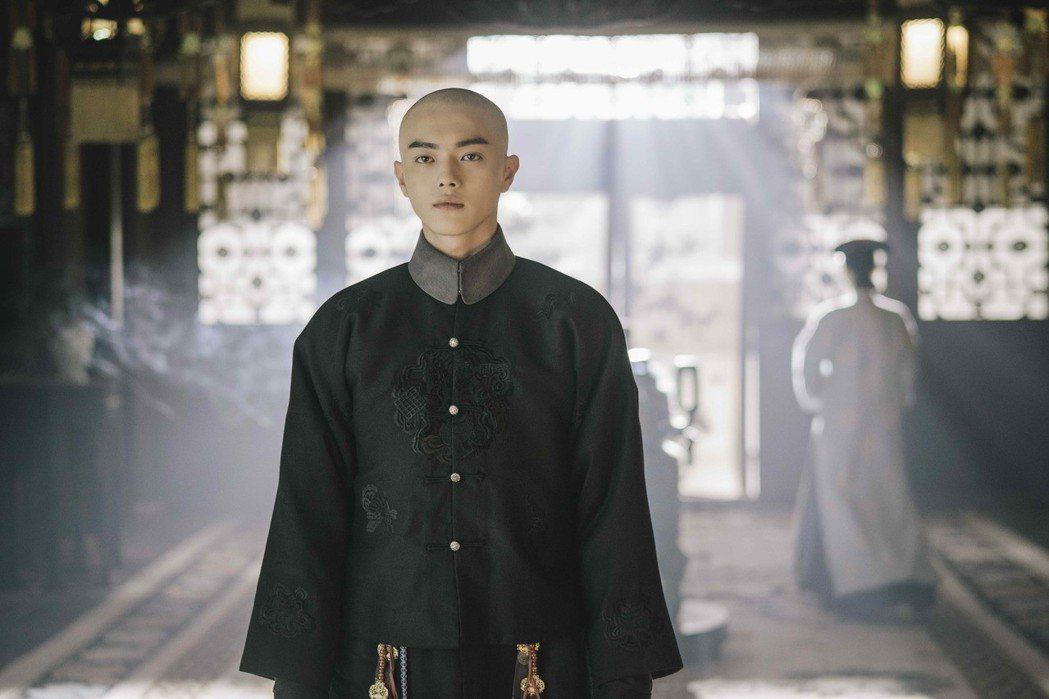 許凱「延禧攻略」殺青後長回頭髮,同劇演員直呼不習慣。圖/八大提供