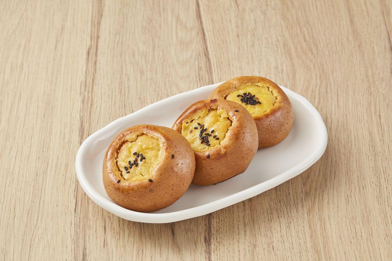 金黃蕃薯燒(3入/180g/盒)69元。圖/全聯提供
