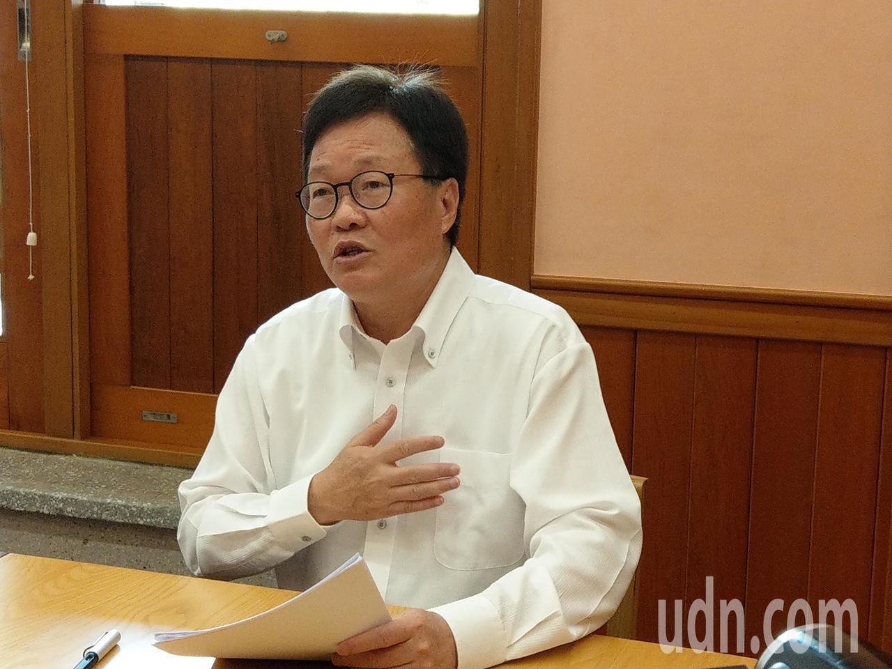 宜蘭代理縣長陳金德說,大縣市的交通建設每個案子都是「政策」決定,既然是政策決定,...