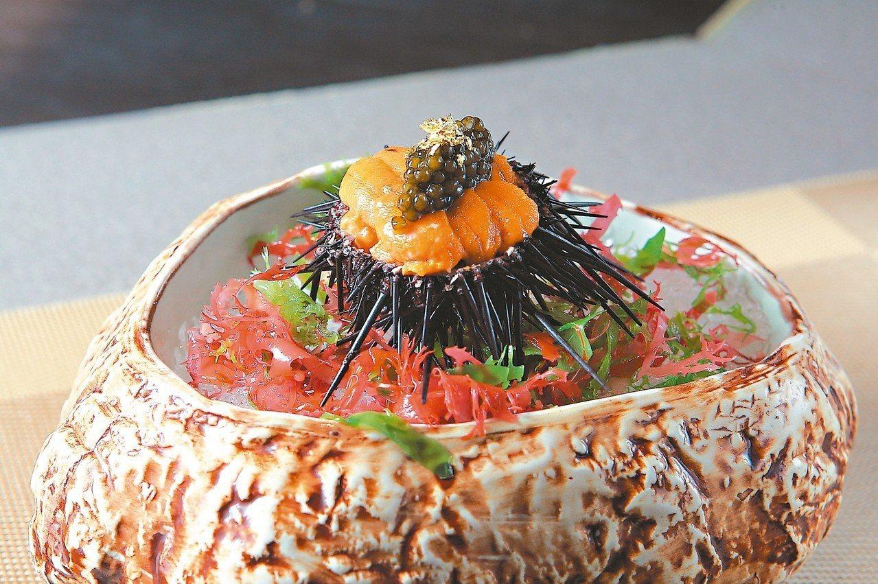 開胃用的牡丹蝦、海膽、魚子醬。 記者陳睿中/攝影