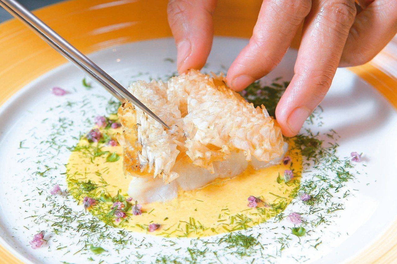 皮脆肉嫩的日本甘鯛魚,為主廚莫燦霖的自信代表作。 記者陳睿中/攝影