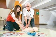 志工接受AED訓練 願當花博救護英雄