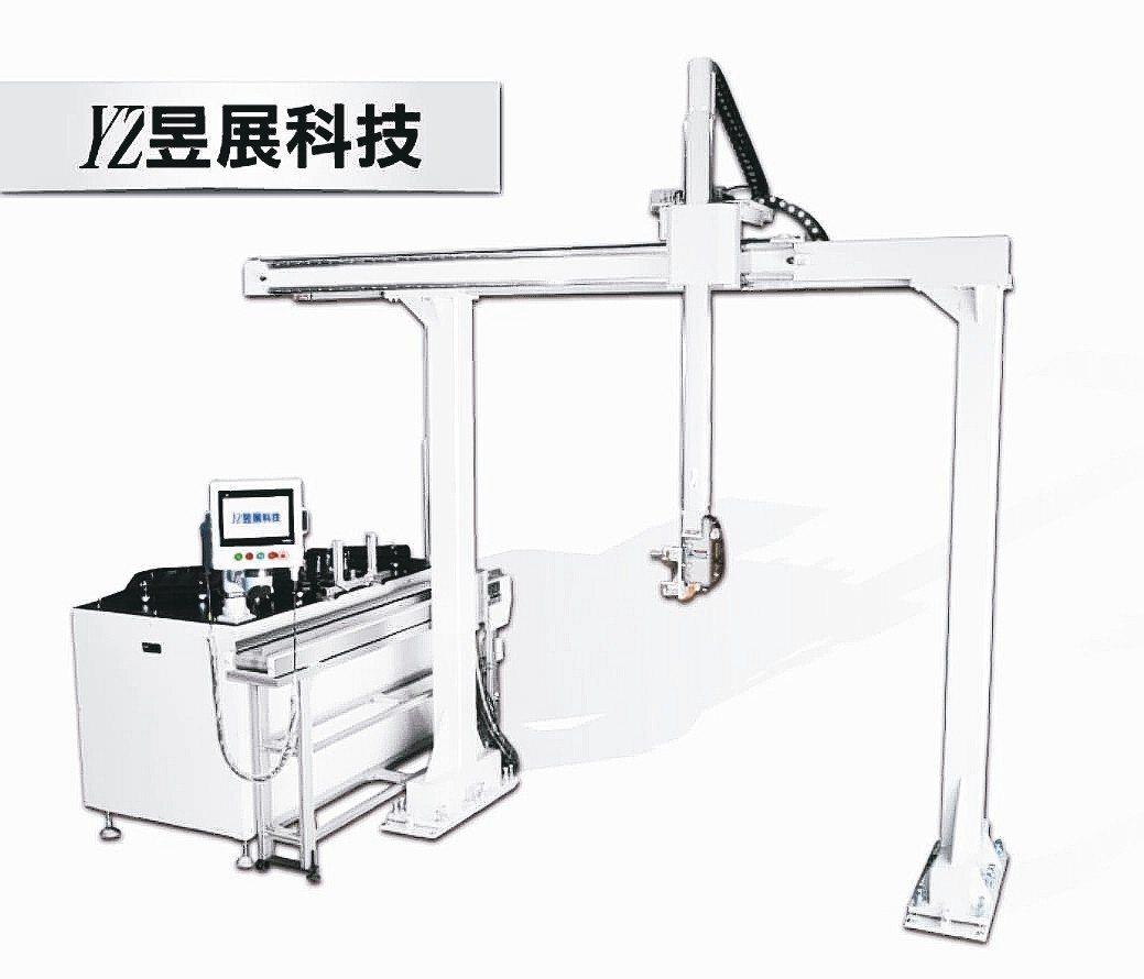 昱展CNC門型機械手,具精準定位、節省人力,提高效能,是CNC車床供料設備幫手。