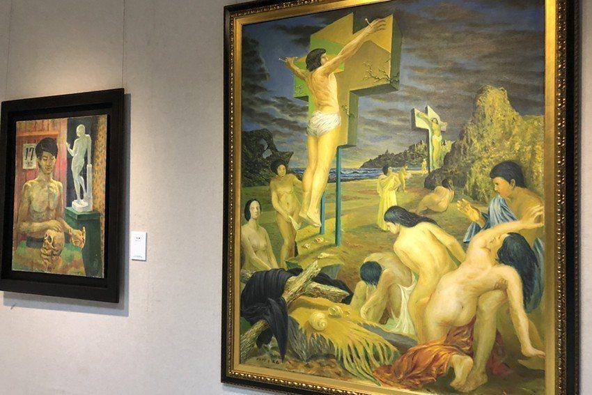 林文昌創作於23歲的作品〈殉〉(右邊作品),深受古典畫法及超現實意境影響,兩個人...