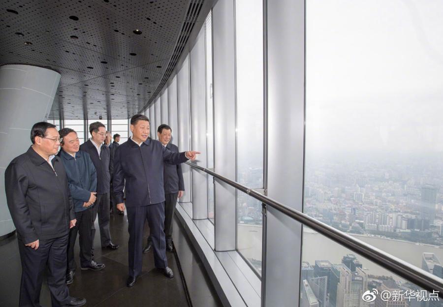 大陸國家主席習近平日前赴上海考察,登上全大陸最高大廈—上海中心大廈。 (新華社)