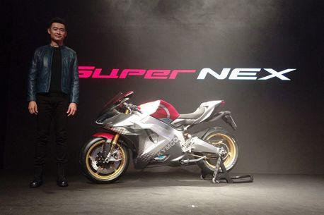 超跑級電動重機!光陽SuperNEX震撼義大利米蘭車展