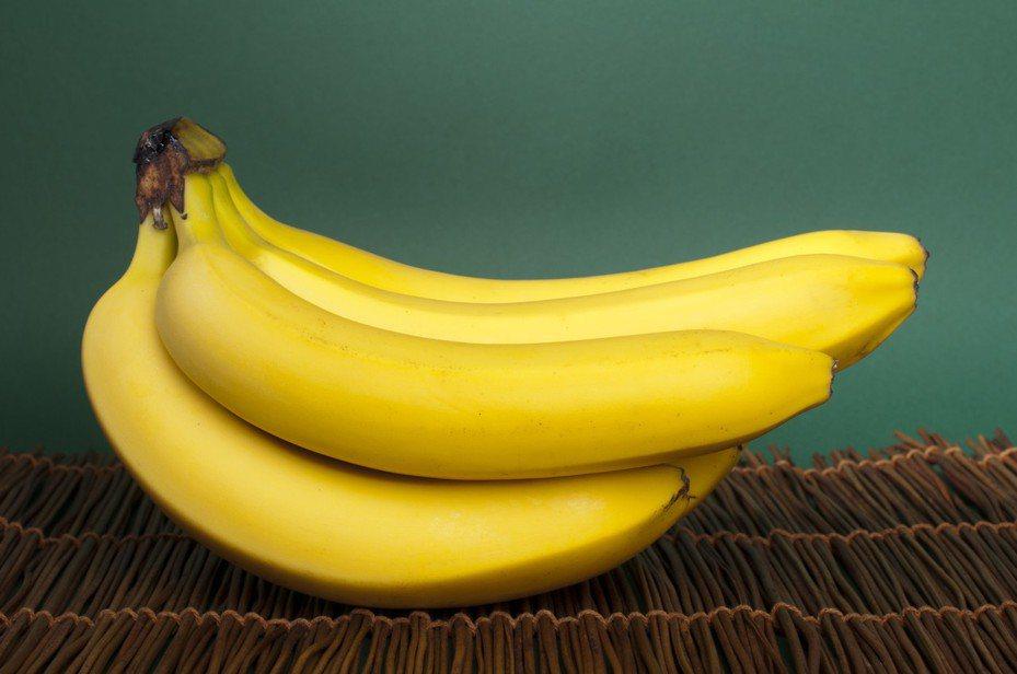 香蕉富含優良的碳水化合物、鉀及其他營養素,非常適合在運動之前迅速補充能量。圖/ingimage