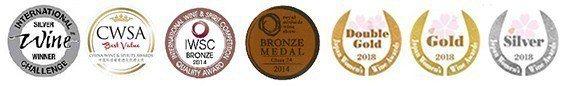 酒款得獎獎項有: 國際葡萄酒IWC (左一) 、香港環球葡萄酒CWSA (左二)...